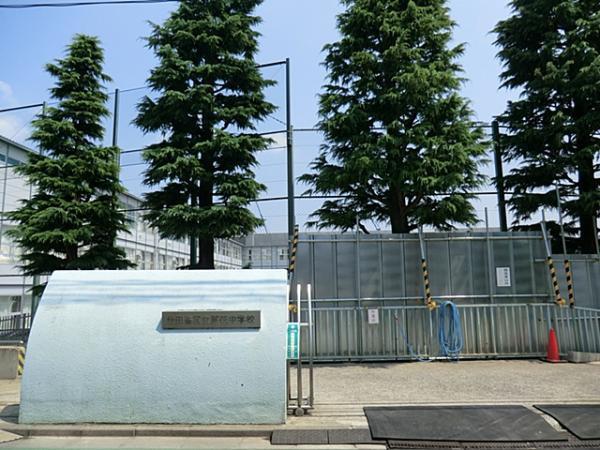 現地周辺世田谷区立芦花小学校