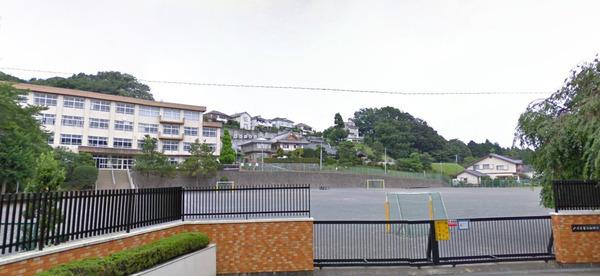 現地周辺八王子市立山田小学校 482m