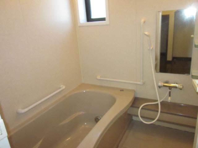 居室1616浴室