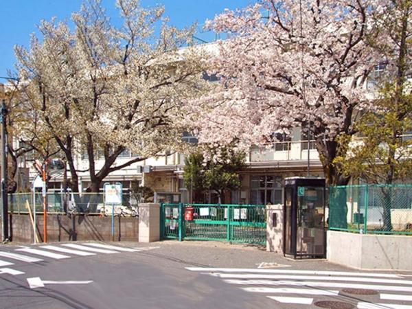 現地周辺町田第五小学校