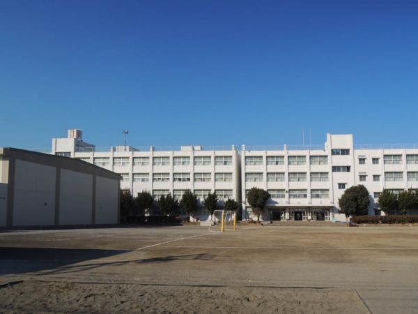 現地周辺緑野小学校