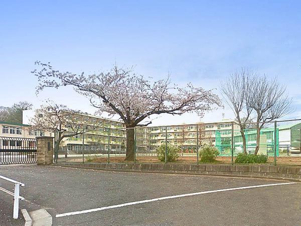 現地周辺鶴川第二小学校