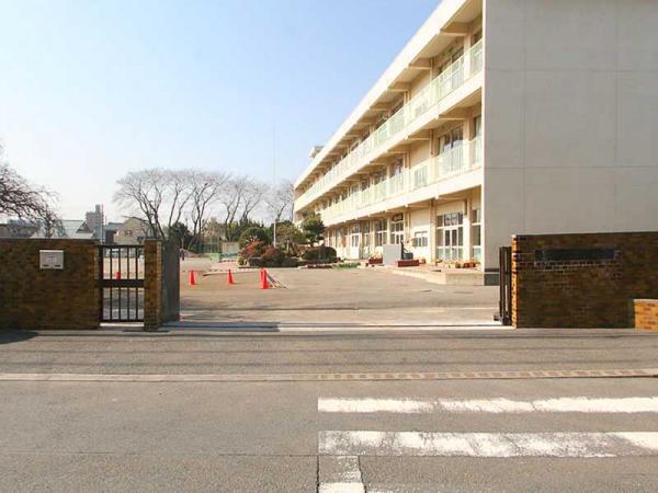 現地周辺鹿島台小学校