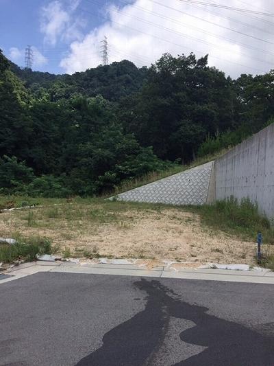 その他前面道路含む現地写真:桜ヶ丘 土地(66号地) 現地外観