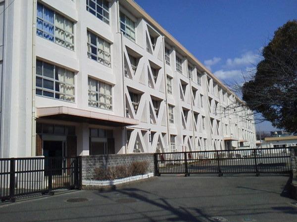 現地周辺藤沢市立村岡小学校 1585m