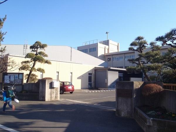 現地周辺茅ヶ崎市立第一中学校 1428m