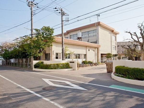 現地周辺藤沢市立八松小学校 272m