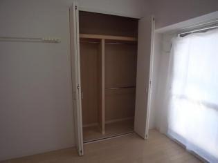 居室スタンダードな洋室です